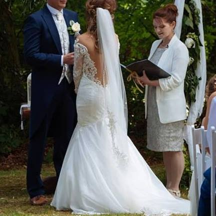 Essential tips for choosing your Ceremony Officiant / Marriage Solemniser